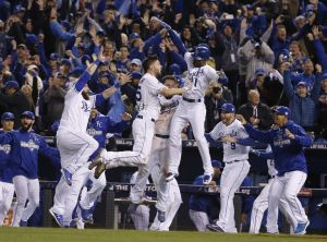 mets-at-royals-in-world-series-game-1-52997330e53a87a9